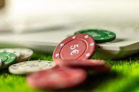 Play Poker on the Internet From Home